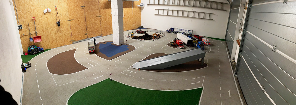 Modell-Truck-Freunde Siegtal bauen Garagen-Parcours